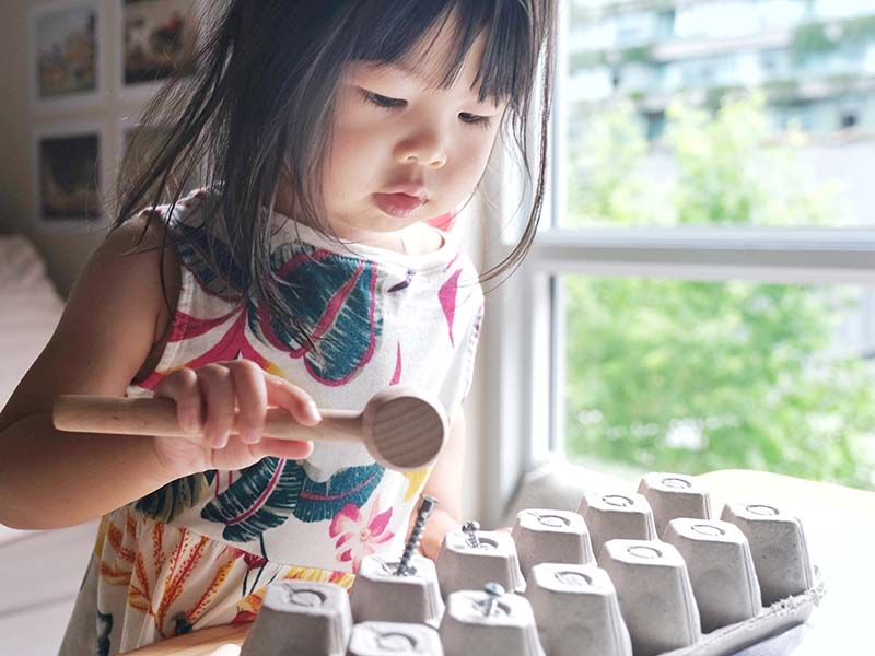 10+ Low-cost Homemade Montessori-inspired Toys for Toddlers