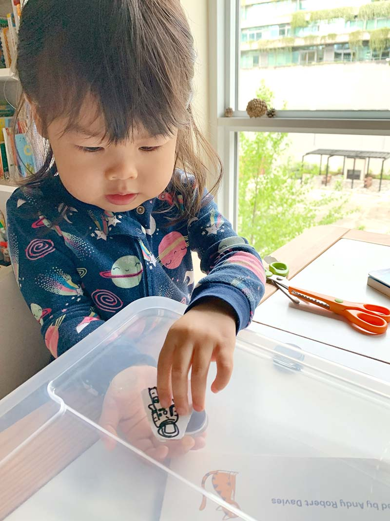 Space Unit Study for Toddlers (10+ Montessori-friendly Activities)