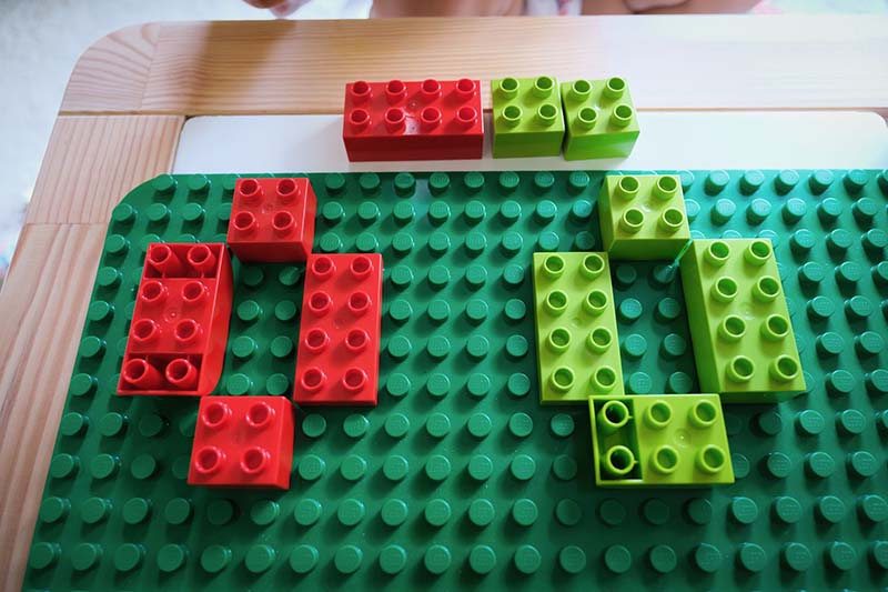 Easy Color Sorting for Young Toddlers with Duplo Lego Bricks