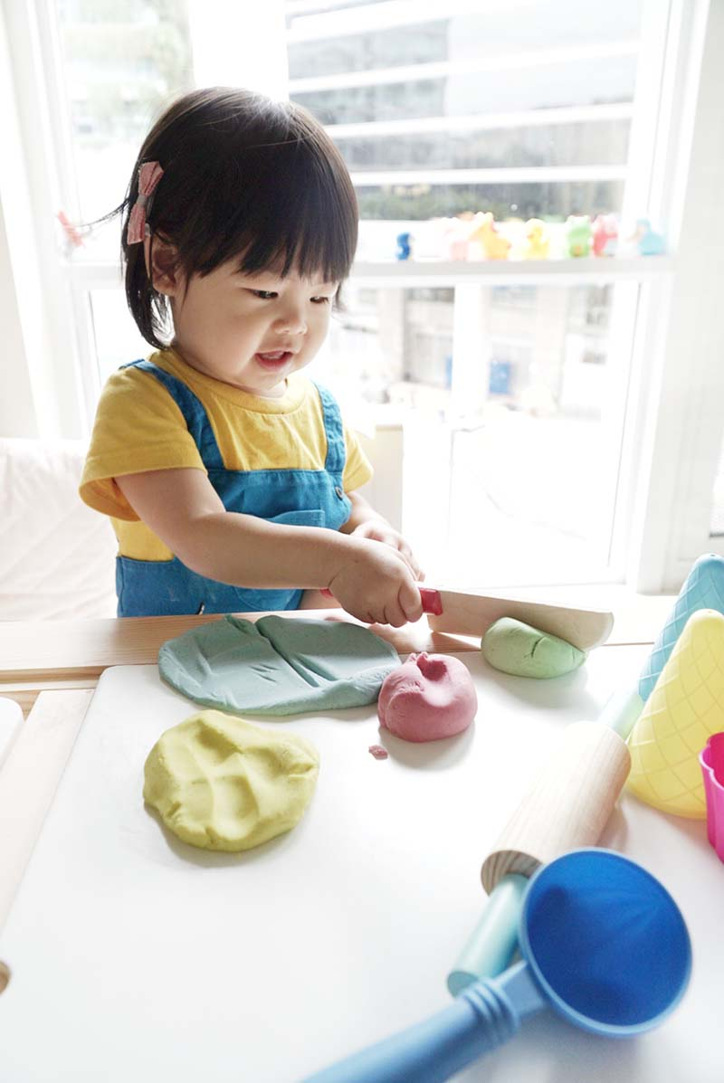 No Cook Play Dough Without Cream of Tartar for Toddlers