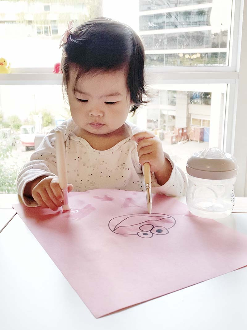 Mess Free Play Hacks for Painting with Toddlers