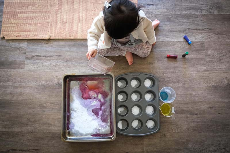 Sizzling Baking Soda and Vinegar Science Fun for Toddlers